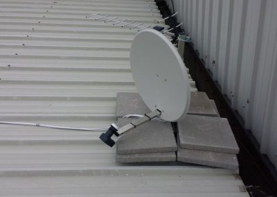Flat roof satellite and aerial